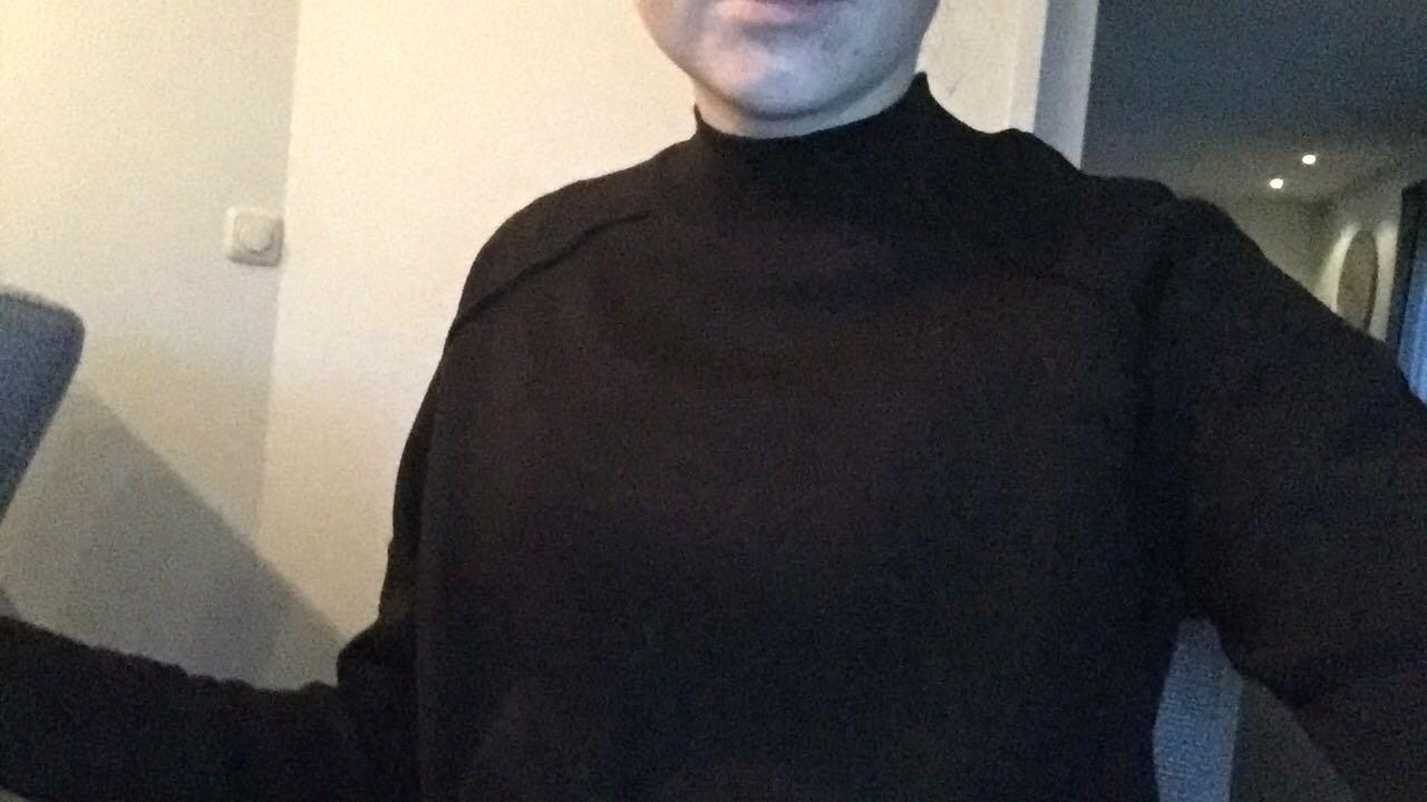 Wie heeft een zwarte trui gevonden?
